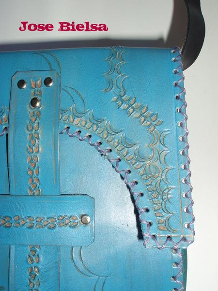 Bolso de Cuero Troquelado Pequeño Azul